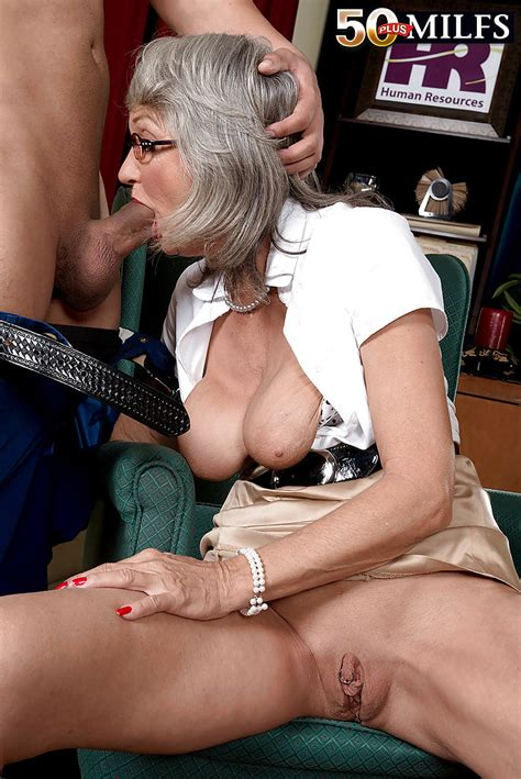 Older Wife Cheyanne Giving Her Husband Oral Sex While