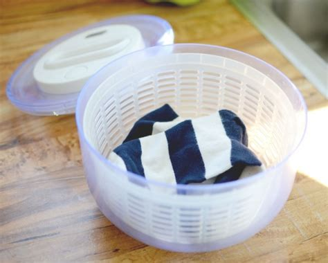 how do you hand wash clothes in a sink 18 ingenious tricks for your clothes that will save you a