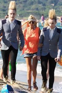 Jim Carrey Who Says Threes A Crowd Jedward Accompany