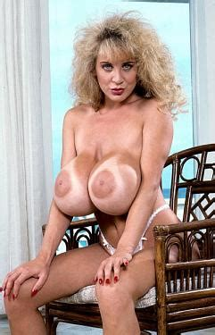 Scoreland Big Boob Model Lisa Chest