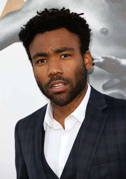 Fx Picks Up Donald Glovers Rap Themed Comedy 'atlanta