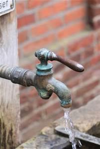 Isolierung Wasserleitung Außenbereich : wie kann ich meine wasserleitung vor dem einfrieren sch tzen ~ Frokenaadalensverden.com Haus und Dekorationen