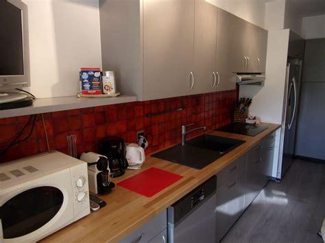 cuisine laqu馥 grise cuisine laque grise cliquez skconcept cuisine sigma laqu brillant graphite et gris aluminium mat vilain cuisine scandinave de plan au sol