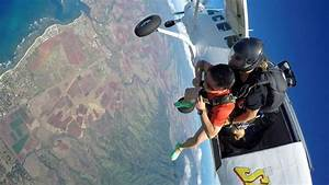15 Top Destinations For Skydiving