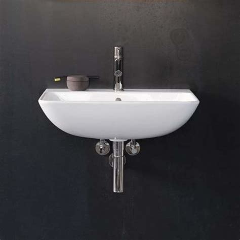 faucet com 2335650000 in white by duravit