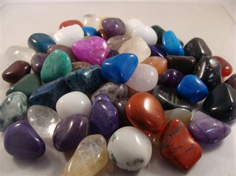 polished gemstones mixed sizes and shapes