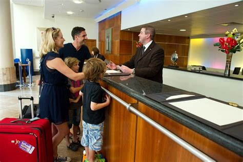 front desk security officer responsibilities sanecovision hotel front office manager first and