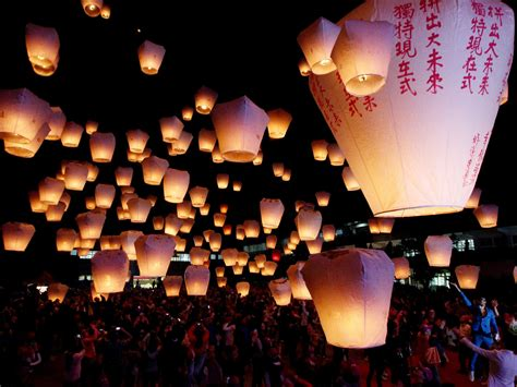 sky lantern festival taiwan editorial pingxi sky lantern festival green and sustainable taiwan news