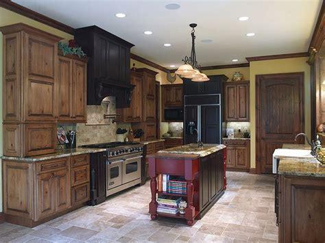 Perimeter Cabinets: Acorn Rustic Maple with Black Glaze