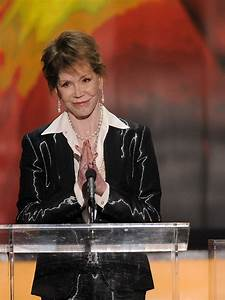 Mary Tyler Moore Hospitalized & In Serious Condition ...