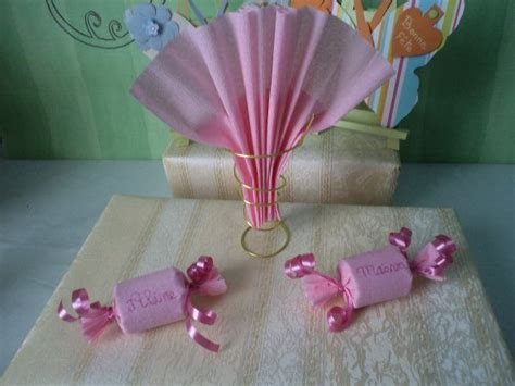 theme pour  bapteme rose bonbons decoration de table