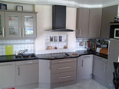 changer porte de cuisine enchanteur changer poignee meuble cuisine avec ranovation