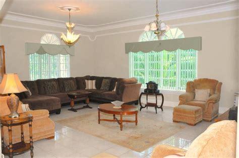 villa for sale runaway bay ad814649
