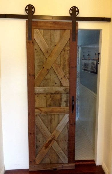 sliding barn door   pallet wood