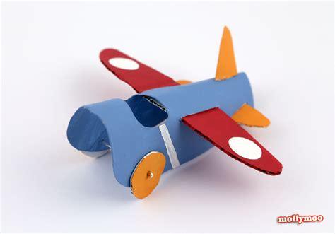 bricolage avec des rouleaux de papier toilette diy bricolage enfant avec rouleau de papier toilette l avion