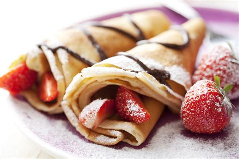 cuisine crepe filled crepe with ricotta chocolate and strawberry