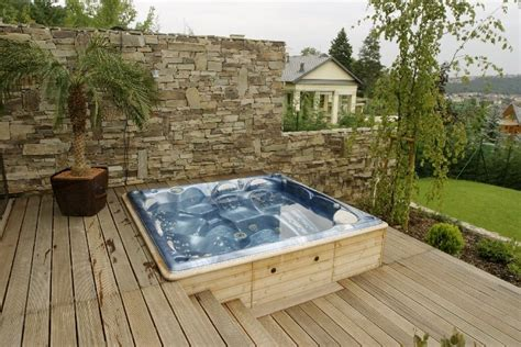 Whirlpool Im Garten Einbauen by Whirlpools Immergr 252 N