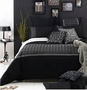 Black And White Master Bedroom Ideas White Bedrooms Design Black White White Bedrooms Bedrooms Decor