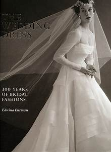 fashion is my muse book review the wedding dress 300 With the wedding dress book