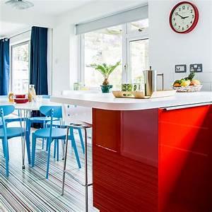 quelle couleur va avec le rouge 80 idees dassociations With idee deco cuisine avec chaises rouges salle À manger