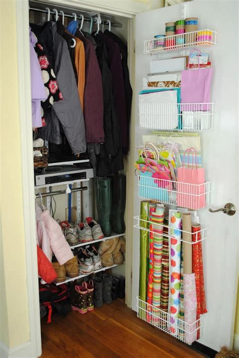 Closet Organization Ideas For Apartments by The Apartment Closet Ideas For A Small Area Creative Diy