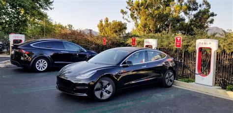 View How Big Is Tesla 3 PNG