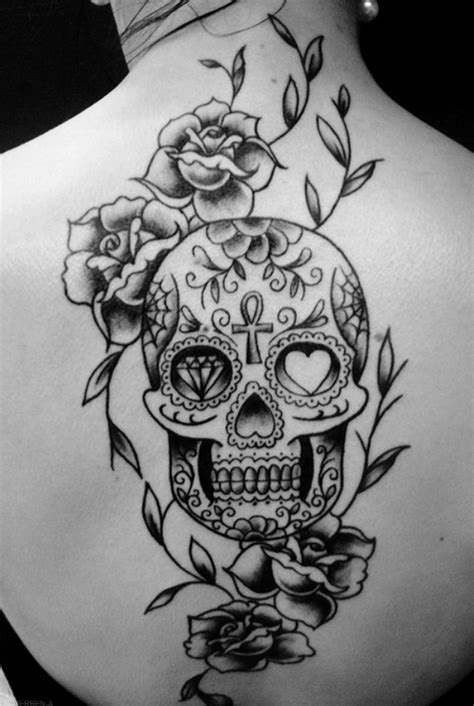 Aiz Tattoo Gallery: Fantastic Black And White Flowers Tattoo