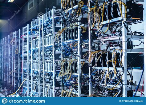 Our servers are running our bit farm mining bots that are constantly looking for the biggest depending on the equipment used, the farms are divided into three types: Bitcoin And Crypto Mining Farm. Big Data Center Stock Photo - Image of finance, coin: 179776590