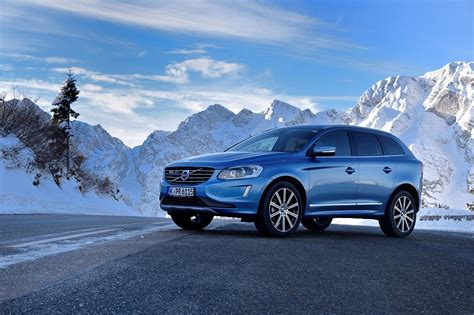 It is now in its second generation. 2017 Volvo XC60 Overview - The News Wheel