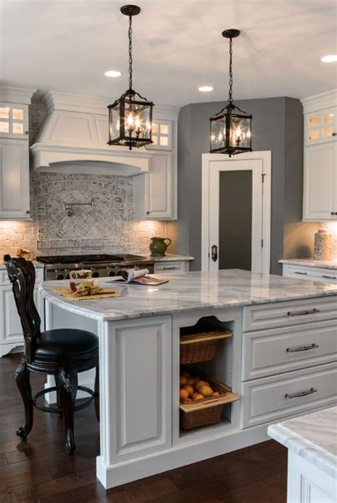 brickhouse kitchen island 25 best ideas about whitewashed brick on 4900