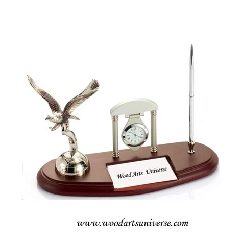 Desk Organizer With Eagle, Clock and Pen Stand WAUSBHB132   Wood Arts Universe