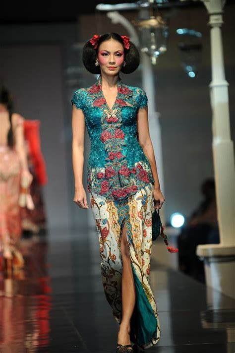 kebaya batik modern lowo the kebaya color combination batik encim as the