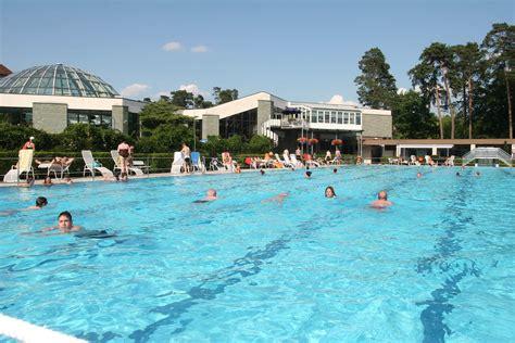 schwimmbad mit salzwasser erlebnis freibad westfalen therme bad lippspringe