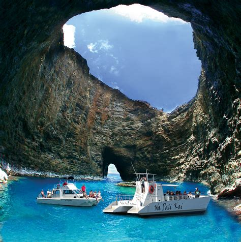 Best Pictured Rocks Boat Tour by 7 Reasons To Choose Makana Charters For Your Na Pali Cruise