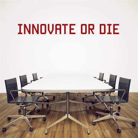 stickers pour bureau stickers muraux quot innovate or die quot pour bureau kollori com
