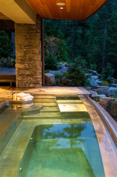 Breathtaking Indoor and Outdoor Spa Design Ideas by
