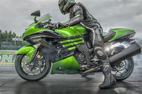 Kawasaki Zx 14r 4k Wallpapers by New Kawasaki Zx 14r Launched In India Inr 17 90