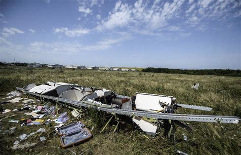 Malaysia airlines flight 17 (mh17) was a scheduled passenger flight from amsterdam to kuala lumpur that was shot down on 17 july 2014 while flying over eastern ukraine. Dutch police receive 150 MH17 crash images, videos