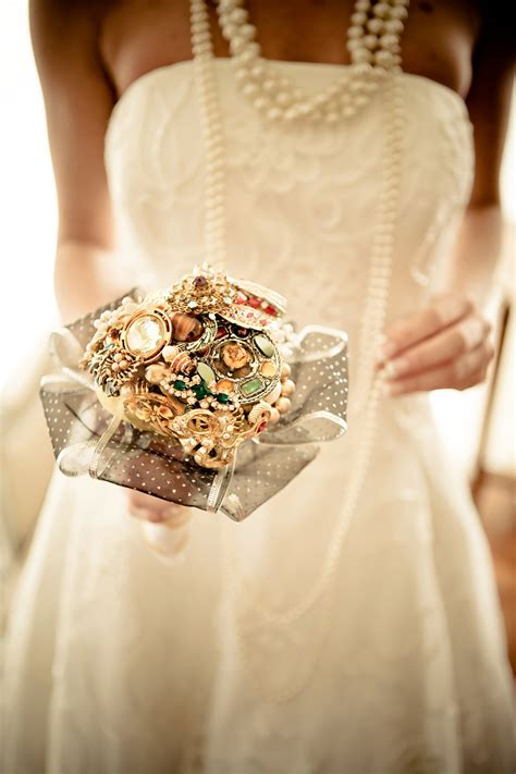 32 Breath Taking Bridal Bouquets With Unique Design 10