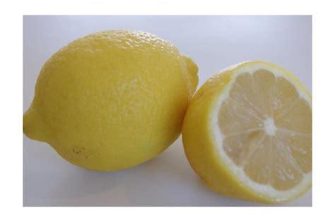 close   cut lemon  stock photo public domain
