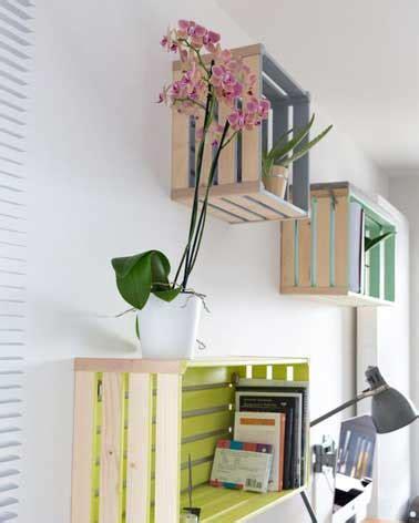 fabriquer bureau en palette peindre des caisses en bois pour faire un rangement