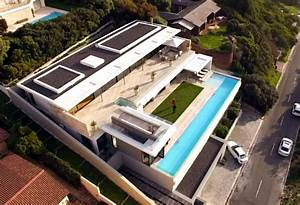 A house with the best of both worlds on Top Billing FULL