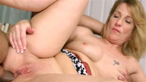 This Fine Ass Mature Slut Likes To Be Rimmed And She Loves Anal Sex Mylust Com