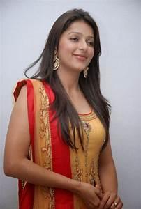Bollywood Celebrity Bhumika Chawla beautiful wallpapers