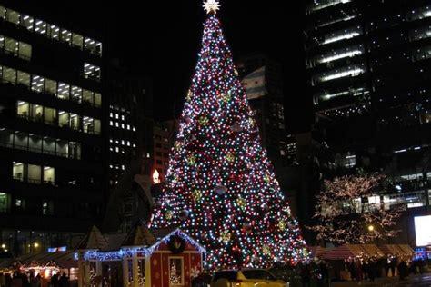 millennium park christmas lights chicago christmas tree gets new home at millennium park