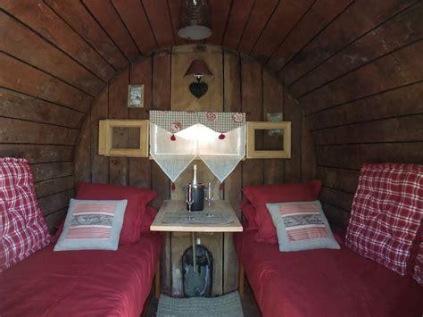 chambre d hote tournon insolite dormir dans un tonneau dans les vignes de