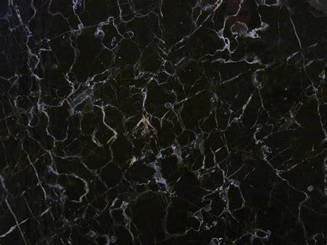 couleur cuisine moderne marbre noir laurent valgra sud