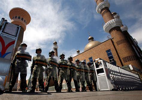 Xinjiang residents protest online against virus lockdown