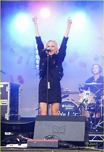 Pixie Lott: Poppy Appeal Concert! | Photo 505315 - Photo ...