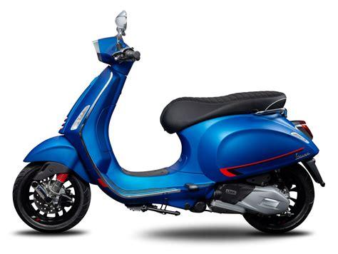 vespa primavera  sprint  unveiled  makina moto show
